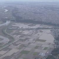 "【nhk news web】 (注意喚起)   10月15日15:27分、""""今週末も まとまった雨のおそれ 被災地では引き続き警戒を"""""