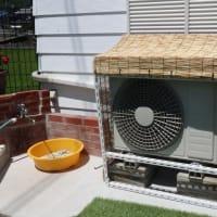 エアコン室外機に日除けを作りました。