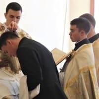 ヴィガノ大司教:バチカンの「信仰に関係なく、すべての人の兄弟姉妹」になることが可能なビジョン、修道者という身分を無意味とし、洗礼も、贖いも、教会も、天主さえも必要としないビジョン