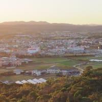 日の山の夕暮れ