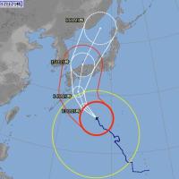 台風10号は西寄りに