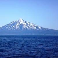 12.船上から利尻富士を望む