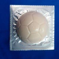 サッカーボール型チーズケーキイチゴ味の紹介