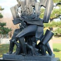 ザッキン「人間の森」 旭川の野外彫刻(43)