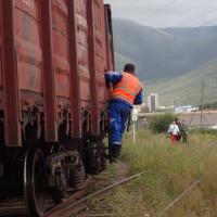石炭を運ぶ