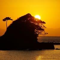 獅子島(スズメ島)が 陽の玉と戯れる