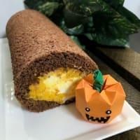「かぼちゃのハロウィンロールケーキ」と「キャラメルムース」