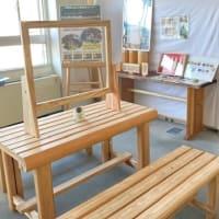 北区役所2階に北山杉にふれる休憩スペースが出来ました。