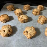 ドライいちごといちごシロップを作ってからの〜いちごとアーモンドのスコーンクッキー。