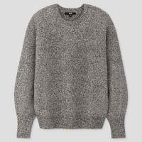 UNIQLOのパフスリーブクルーネックセーター