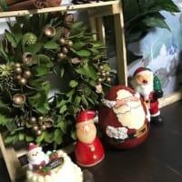 明日からの12月のクリスマスレッスンに備えてお教室をクリスマスモードに変身