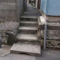 0734 弦巻川暗渠から南へ上る小階段