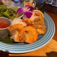 ハワイアンレストランのコナズで食事