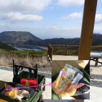 黒岩岳のレットさん達とえびの岳と二湖パノラマ展望台。