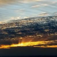 まだ、雲が見える20日の朝に書く