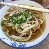 冷かけに入ってるのは・・・氷の玉! 吉本食品@香川県