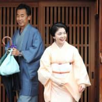 京都)沖縄出身の芸妓つる葉さん、祇園を去る