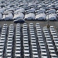 トランプ大統領、自動車関税の判断を半年延期へ=政府高官