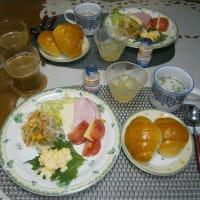 カフェアートと和洋の休日ブランチ