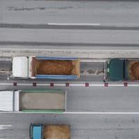 辺野古埋立のためのダンプトラックがほんの少ししか土砂を積んでいないのは何故か --- 満載の場合と同じ費用が支払われているのではないか?(追加写真あり)