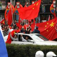 13年前の聖火リレー。長野県内での中国人の暴動を思いだそう。