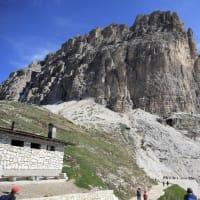北イタリア湖水地方とドロミテ:(13)コルティナ・ダンペツオからトレ・チーメ山トレッキング