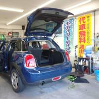 本日PITではオークション落札車の「BMWミニ」の仕上げ作業に着手致しました!