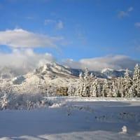 妙高の麓にも雪が