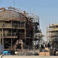 サウジ、攻撃受けた石油施設2か所を公開 順調な復旧作業をアピール