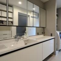 家を建てる、家を新築する、家をリフォーム(リノベーション)する時に大切な暮らしの環境を整える意味での間取りのデザイン設計、壁の位置と窓、ドアの位置、開き勝手等の差が動線とゾーニングを変化させます