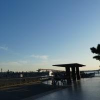 『クイニーアマン PAUL』と離発着の飛行機@城南島公園