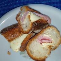 ジャンボンフロマージュ、ハムとチーズのバケットサンドで朝食ね:P
