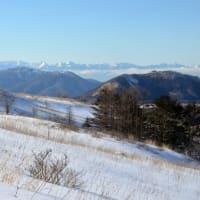 雪の名山屏風に囲まれ気分転換する。