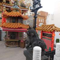 やはり中華街の核となる場所「関帝廟」。最初におまえ利してから、味の恩恵を受けたい。