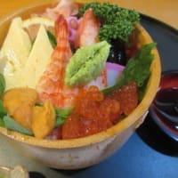 「辨慶寿司(弁慶寿司)」、スペシャルちらし、かぐや姫ちらし、のりなしにぎり各1,100円。
