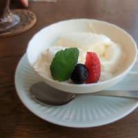 えっ、まさか、ここがカフェ?。印旛郡、 『SHISUI PARK SIDE CAFE』 でのんびり一休み。