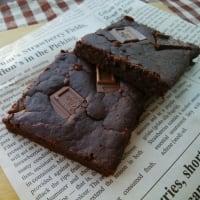 ブラックアウトケーキを焼いたのと、ぎょうざの満州。