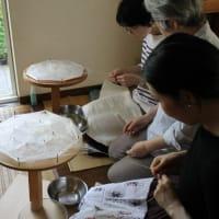 真綿から糸をつむぐ―紬きもの塾19 染織実習1