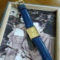 父からもらった時計と50年前の写真。
