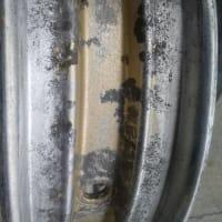 「 タイヤ修理剤 は応急用ですよ~~~ (; ・`д・´) 」