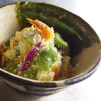 十二庵の青大豆の卯の花でサラダ(^ω^)・・・
