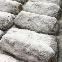 シュトーレン本日も焼き上がりました!横浜の美味しいパン かもめパンです(*^-^*)
