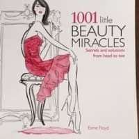 Picture Perfect (写真映りが良くなるコツ)1001 little BEAUTY MIRACLES by Esme Floyd