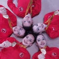トルコのリズム体操チームが欧州選手権で初の金メダル