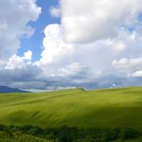 パンを焼き、コーヒーを配達し、霧ヶ峰をガイドする快晴の日。
