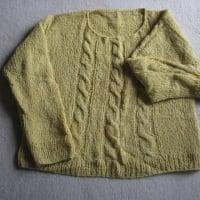 ♪三本縄編みのセーター。
