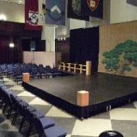 海外ツアーでは劇場のサイズがまちまちになるって