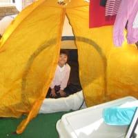 ベランダでテント干し