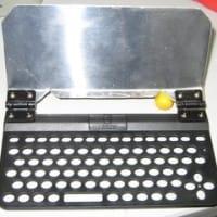 [工作][iPhone][キーボード] iPhone用クラムシェルキーボードを作ってみる