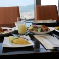札幌の日航ホテルで一泊めの朝食は